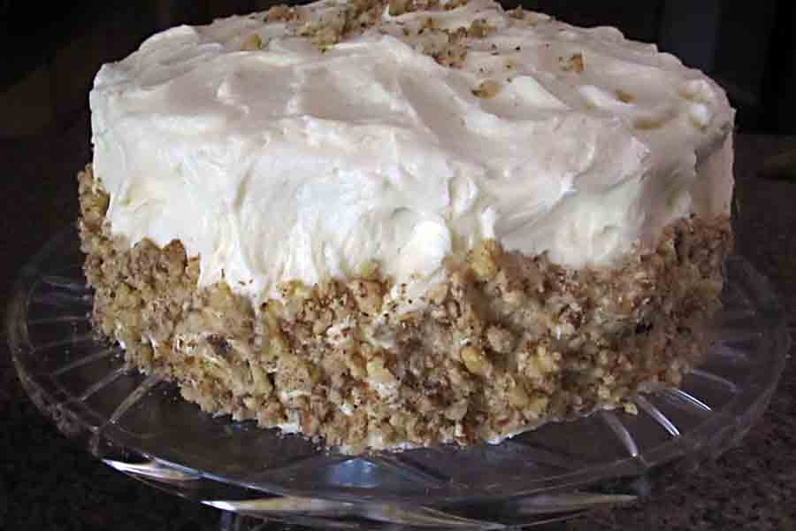 carrot-cake-on-serving-plate