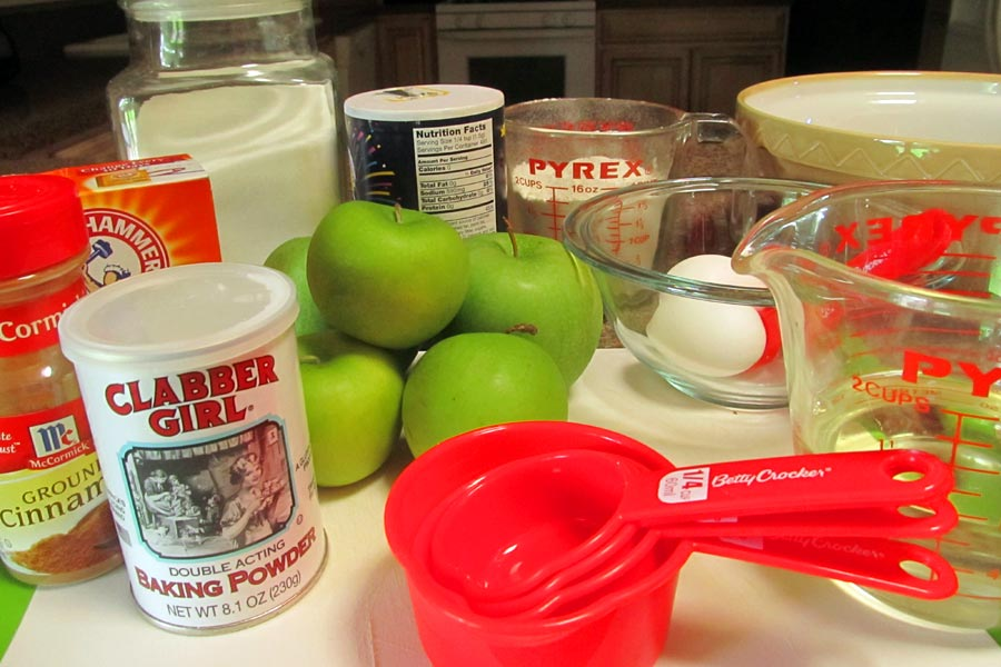 Old Fashioned Apple Cake Ingredients
